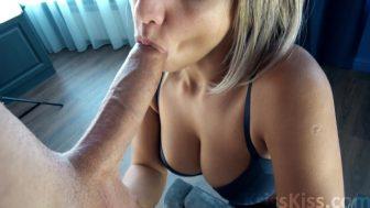 Masajcı Asyalı kız mobil pornoda coşturuyor