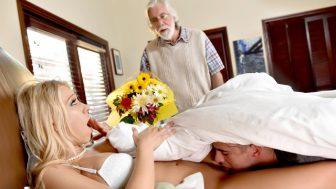 Bunak Babasını Ayakta Uyutup Üvey Annesini Yaladı